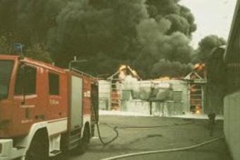 Großbrand der Firma Sedda in Wallern